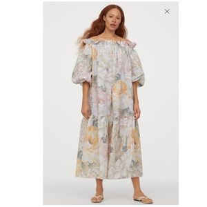 H&M FLORAL off the shoulder dress blogger